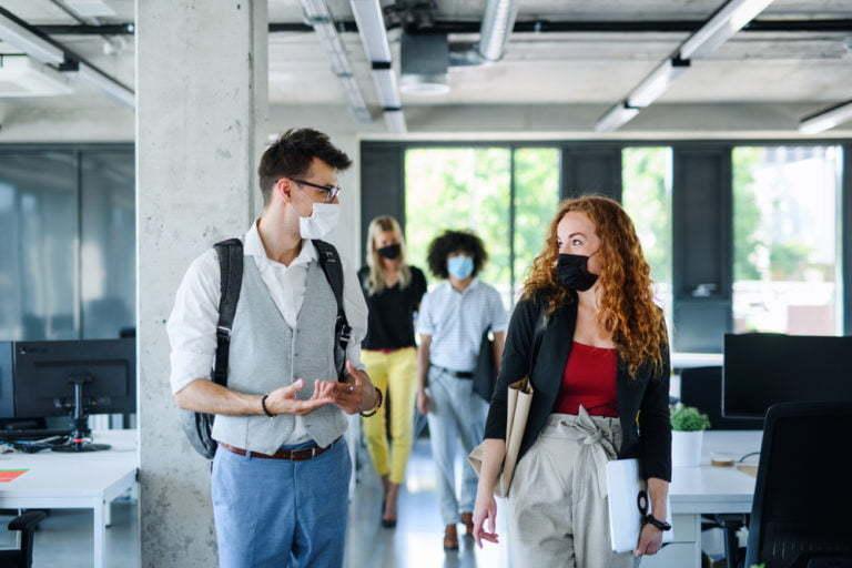 8 medidas preventivas en oficinas después del confinamiento